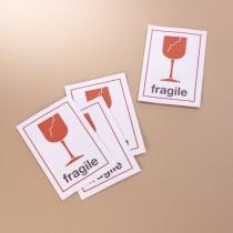 Étiquettes autocollantes fragile
